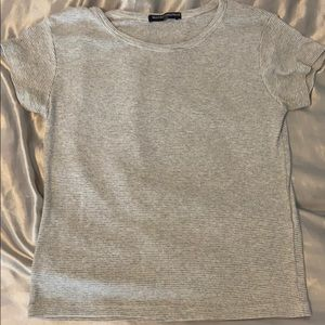 Brandy Melville- grey and white t-shirt